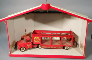 Buddy L Wild Animal Circus Truck & Big Top