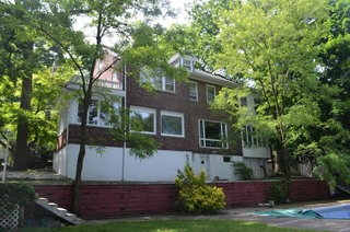 1+ ACRE LOT - 6 BR BRICK HOME IN GRYMES HILL