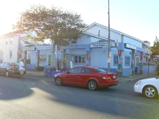 TURN-KEY BAR/RESTAURANT ONE BLOCK FROM BEACH