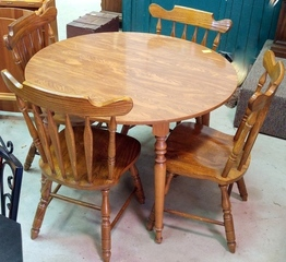 Ethan Allen Table & 4 Virginia House Chairs