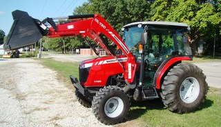 2014 Massey Ferguson 1759: Like new only 130 hrs!! 6' bucket, skid steer quick attach, A/C & heat, AM/FM, FWA, joy stick, 2 hydr, MF DL130 loader, 55 HP,