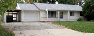 3BR Home with Attached Garage & Carport