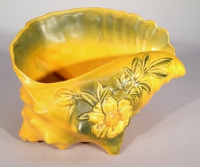 Roseville Shell Planter