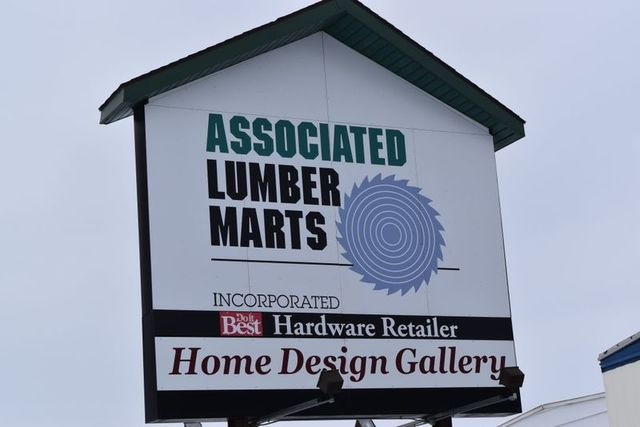 THE COMPLETE CLOSEOUT OF ASSOCIATED LUMBER MART HOME DESIGN