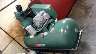 Champion HRA15-25 / 15 HP-3 Phase Air Compressor on 60 Gal. Horizontal Tank