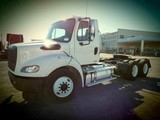 2013 Freightliner Business Class M2 T/A Daycab Road Tractor