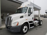 2013 Freightliner Cascadia DD13 S/A Daycab Road Tractor