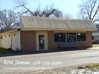 CLOTHING STORE AND OFFICE SPACE FOR SALE IN MANSURA, LA