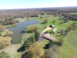 Tate County - 2716 sq ft 4 Bedroom 4 Bath Home on 89 ac. with a Lake and Barn