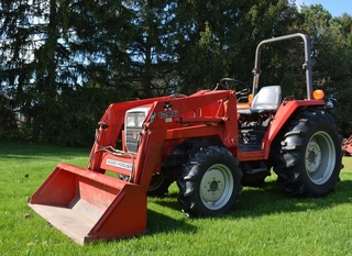 antiques country items mf tractor more jerry stichter rh stichterauctions com Massey Ferguson Front End Loader Massey Ferguson Front Loader Parts
