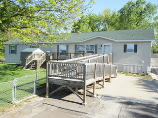 Online Only Auction: 4 Bedroom Mobile Home | Gladstone, MO Area
