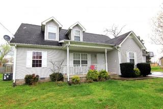 1,886 +/- SF Single Family Home Selling in Rutherford County, TN