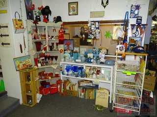 Buyer S Paradise Collectible Thrift Store Liquidation Auction