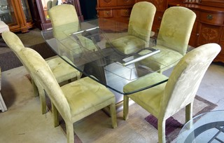 Glass-top Pedestal Dining Table