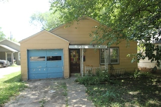 NO RESERVE Investment Property Online Auction Event- #12 - 7233 South Benton