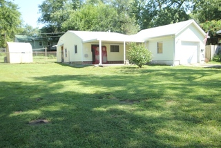 Probate Estate Online Auction: Fixer Upper 2 Bedroom Bungalow on 1/4 Acre Treed Lot with 1 Car Garage, Kansas City, MO; For Sale at Online Auction.