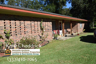 3 bed 2 bath home on 3 acres of land for sale in Ville Platte, LA