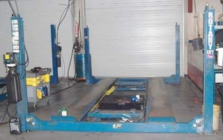 Rotary Four Post Lift http://www.damicoauctions.com/auction_detail.php?id=112407