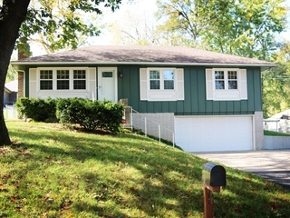 Absolute Owner Ordered Auction: 3 Bedroom Home   Raytown, MO