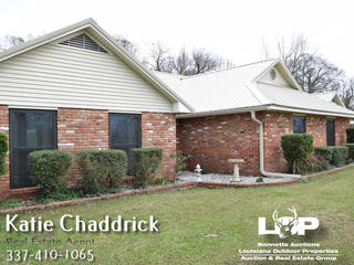 5 bed 3.5 bath home on over 12 acres of land for sale in Plaucheville, LA
