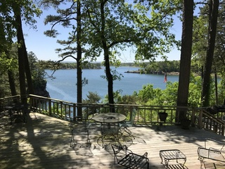 Waterfront Home For Sale at Auction Tumbling Shoals, AR