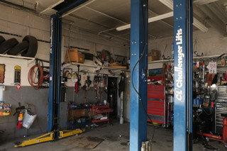 FULLY EQUIPPED REPAIR SHOP