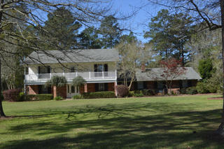 REAL ESTATE & FURNISHINGS AUCTION IN DERIDDER, LA
