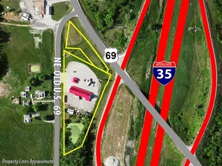 5000 SF Commercial Building on 3 Acres * High Traffic Location on I-35 * 5 Miles S. of Cameron, Clinton County, MO