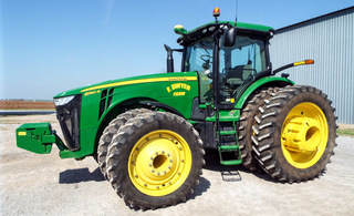 2011 John Deere 8360R tractor, 360 engine hp, 305 hp at pto auto power trans, MFW, Green Star, 1,803 hrs,