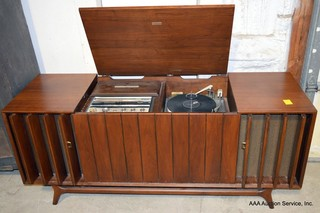 Zenith MNT2670 Console Stereo