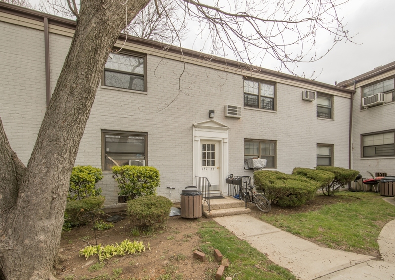 Apartment Building Auctions 2 br co-op apartment - maltz auctions