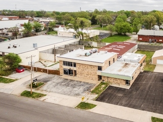 No Reserve Auction: 9540 Sq. Ft. +/- Office/Warehouse on 1/2 Acre Site with Fenced Storage   Independence, MO