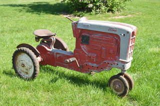 Ford Vintage pedal tractor