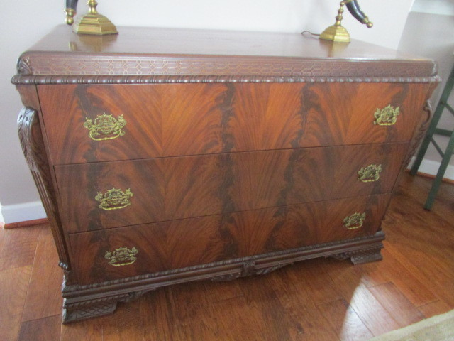 pair of twin beds 2 matching chests w built in jewelry storage bombay chest sofas sleep number bed bronze horse duck decoys lenox rugs