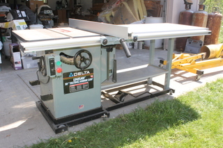 "Delta Unisaw 10"" Tilting Arbor Saw Cabinet Table Saw & Fence"