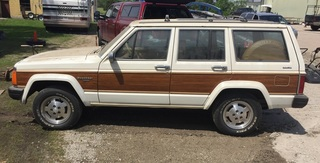 1985 Jeep Wagoneer Limited - 131,104 Miles