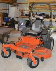 Husqvarna MZT-61 Zero-turn mower