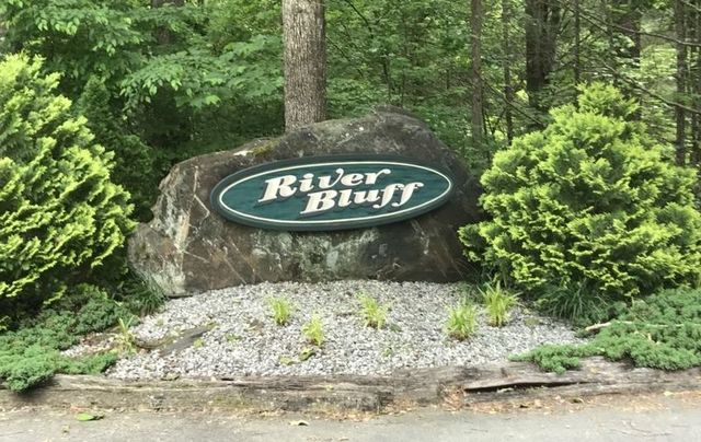 River Bluff - Two builder lots