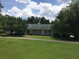 Fantastic 4 BR Home near Lake Marion