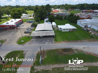 COMMERCIAL OFFICE/MEDICAL BUILDING FOR SALE OR LEASE IN MARKSVILLE, LA