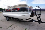 Online-Only Absolute Pontoon Boat Auction