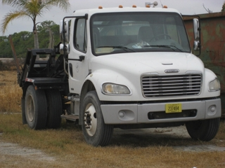 2006 Freightliner Container Truck