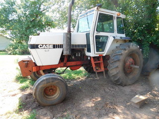 1981 Case 2590 Tractor