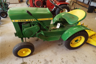John Deere 110 Variable Speed Lawn Tractor