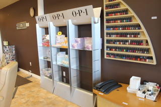 Late Model Nail Salon Equipment Fixtures Supplieore Pedicure Spa Chairs Work Stations Full Scale Liquidation