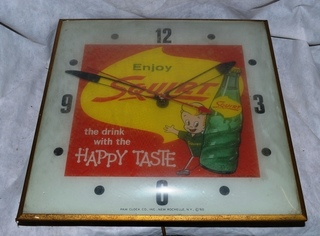 Squirt Electric wall clock