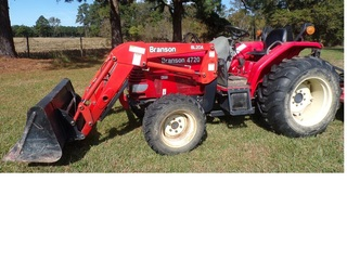 Branson 4720 Tractor 4WD & Loader