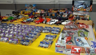 Die-Cast Cars & Motorcycles