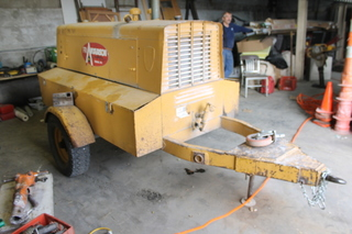 LEROI Gas Portable Industrial Air Compressor, Model 150