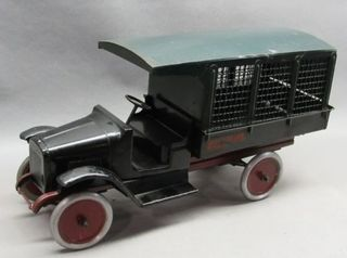 Lot# 2003 - Buddy L Railway Express Truc